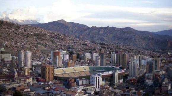 Estadio Hernando Siles, de La Paz. El estadio boliviano está rodeado de rascacielos y se sitúa a 3577 metros sobre el nivel del mar. Es el recinto deportivo de calificación FIFA más alto del mundo.