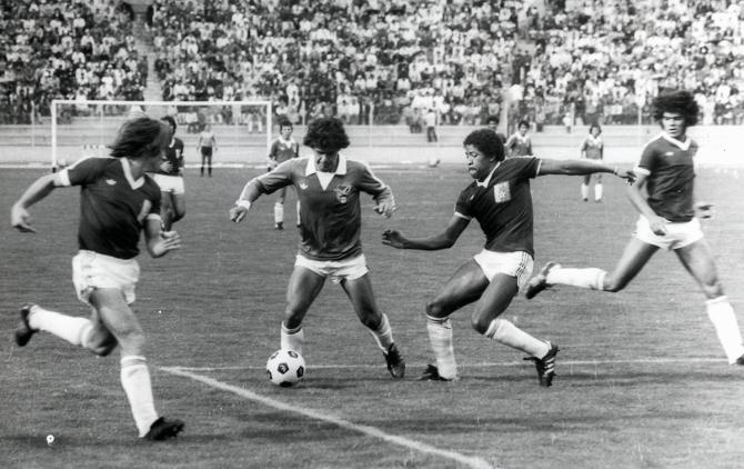 """Erwin """"Chichi"""" Romero, luce su genio frente a la defensa venezolana. El partido terminó con goleada verde por 3 a 0"""