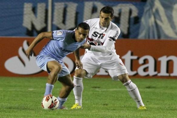 Ferreira, autor de uno de los 4 goles de Bolívar frente a Sao Paulo en La Paz