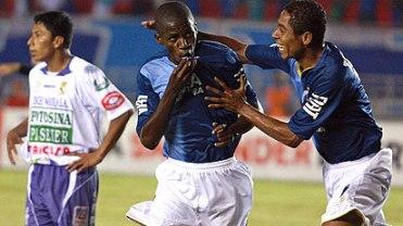 Cruzeiro derrotó a Real Potosí por 7 goles a 0 en la fase preliminar de la versión 2010