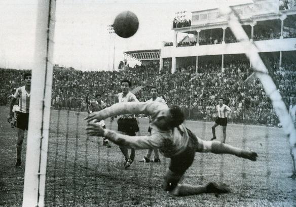 Sudamericano de 1963. Bolivia 3 Argentina 2. El gol heróico de Camacho. Un cabezazo de leyenda