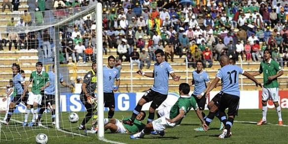 Una de las más recordadas goleadas bolivianas, 4 a 1 a Uruguay por las Eliminatorias