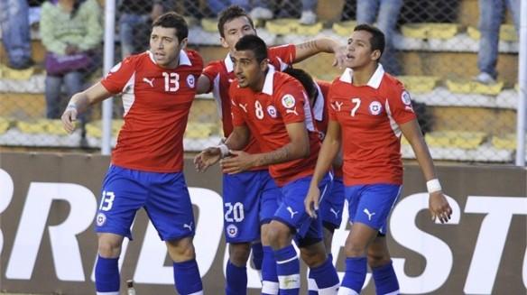 Chile es la selección con mejor rendimiento en La Paz, le ha ganado cinco veces a la Selección. En la imagen el triunfo por 2 a 0 en la Eliminatorias para el 2014