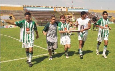 Oriente fue el club que inauguró los campeonatos de Verano/Invierno, como primer campeón en 2003
