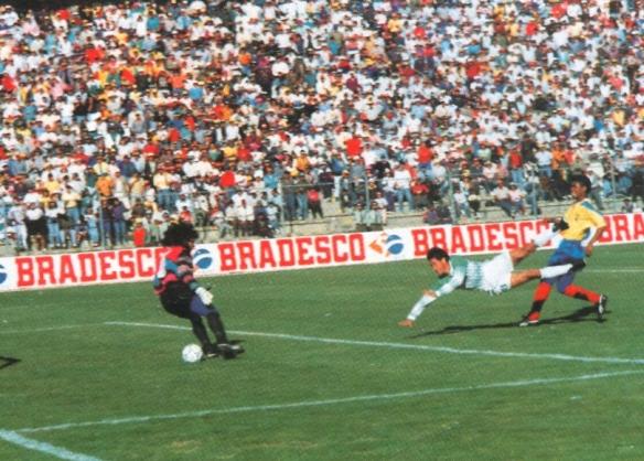 Golazo de Ramallo, su mejor gol en la eliminatoria, el del difícil triunfo sobre Ecuador.