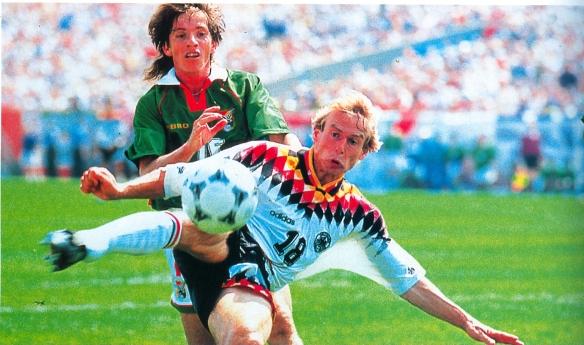 Cristaldo batalla con Klinsmann, autor del gol alemán