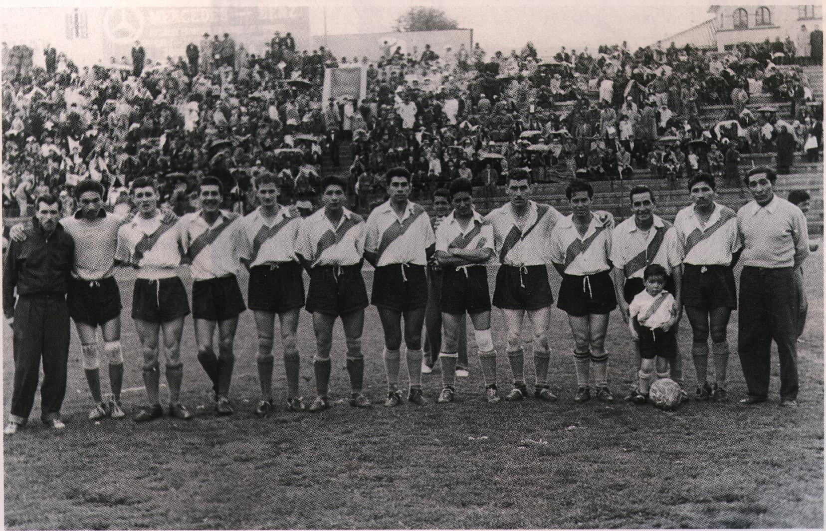 En 1950 nació el profesionalismo en Bolivia (Always Ready, uno de los equipos fundadores del profesionalismo)
