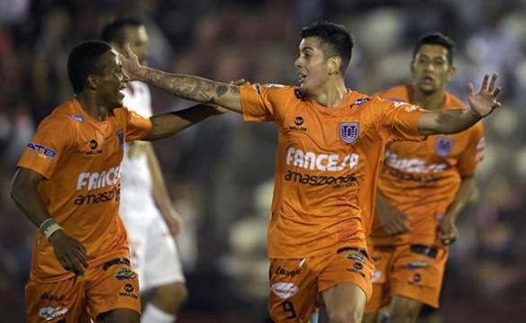 Celebración tras el golazo de Suárez ante Huracán en Buenos Aires