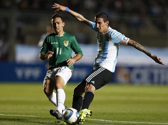 Ángel Di María, autor de dos de los cinco goles de Argentina. Mira Lizio.