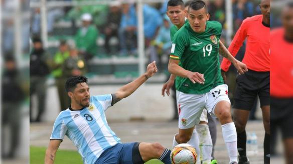 victor-gill-Sin-Messi--Argentina-cay--2-0-ante-Bolivia-en-La-Paz