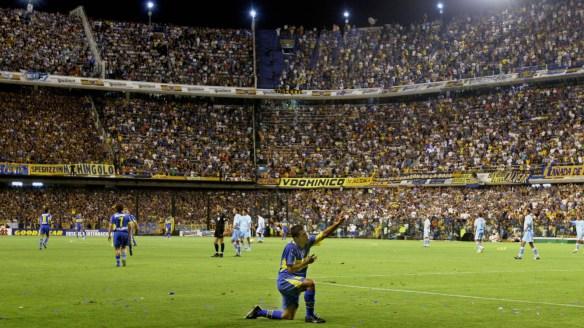 carlos-tevez-boca-juniors-bolivar-copa-sudamericana-2004_1by8xa1u65ukh19gnjklq0kopq