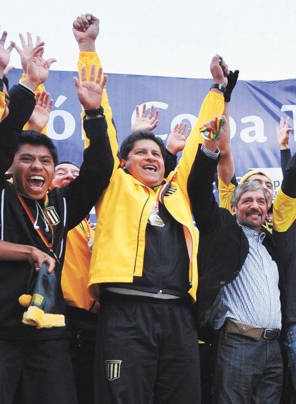 Celebracion-Eduardo-Villegas-Strongest-Razon_LRZIMA20140307_0002_4